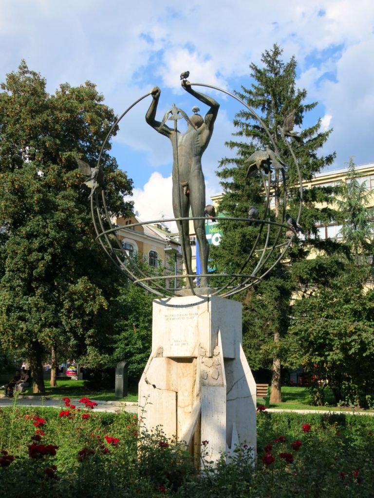 Von Italien gestiftetes Denkmal für ein friedliches Zusammenleben der Völker